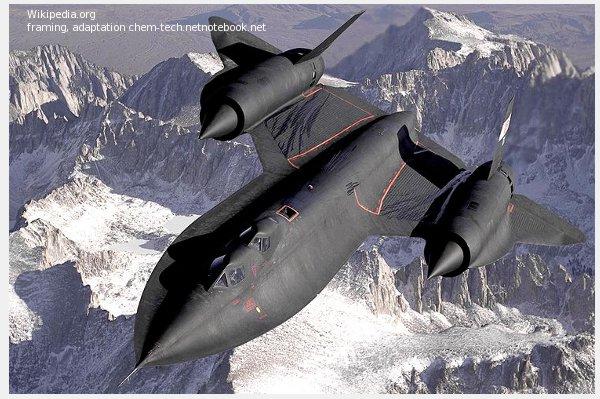 Самолет более чем полувековой давности - мой ровестник - имеет и сегодня футуристические формы. SR-71 - RS-71 Локхид, Blackbird.